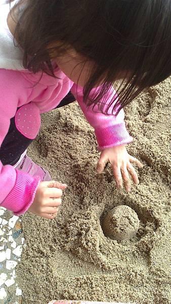 雪莉玩沙~3y (6)