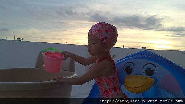 雪莉玩水3y3m (2)