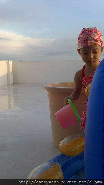 雪莉玩水3y3m (1)