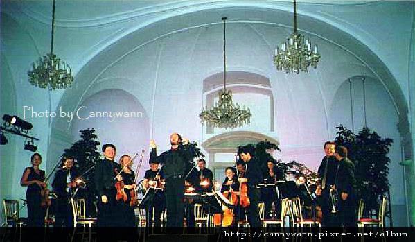 2002維也納音樂會.jpg