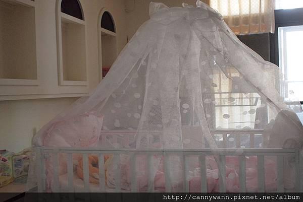 舒眠月亮熊嬰兒床.jpg