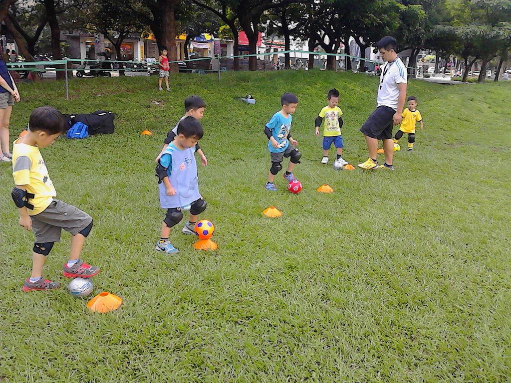 課後才藝~幼兒足球