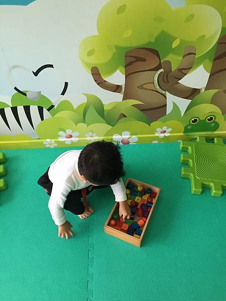 如何教導孩子收拾玩具