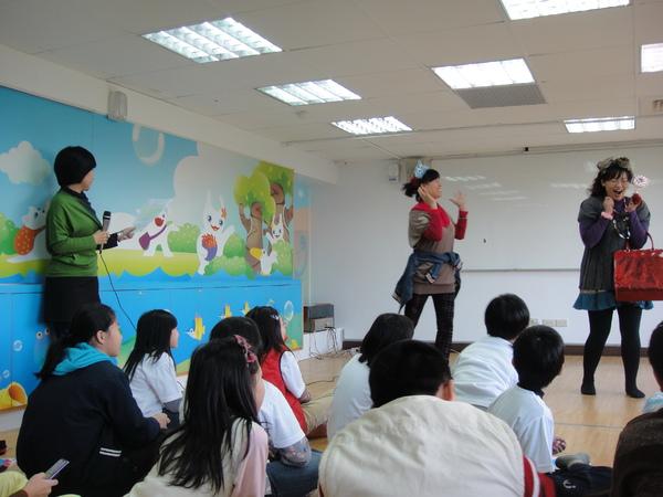 車籠埔媽媽劇團配合演出~法律劇場.jpg