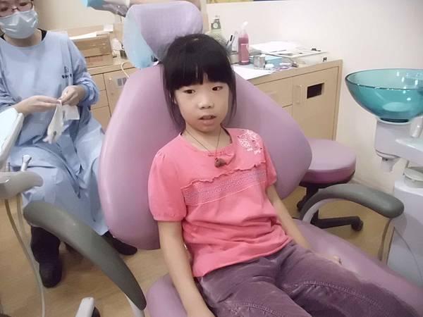 101.10.30品登牙醫檢查牙齒 (19)