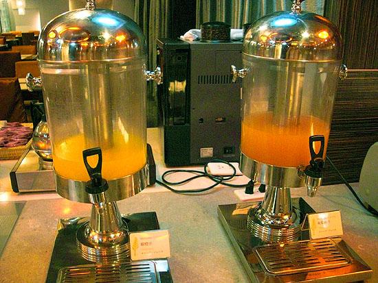 文華道會館附的下午茶-柳橙汁和葡萄柚汁