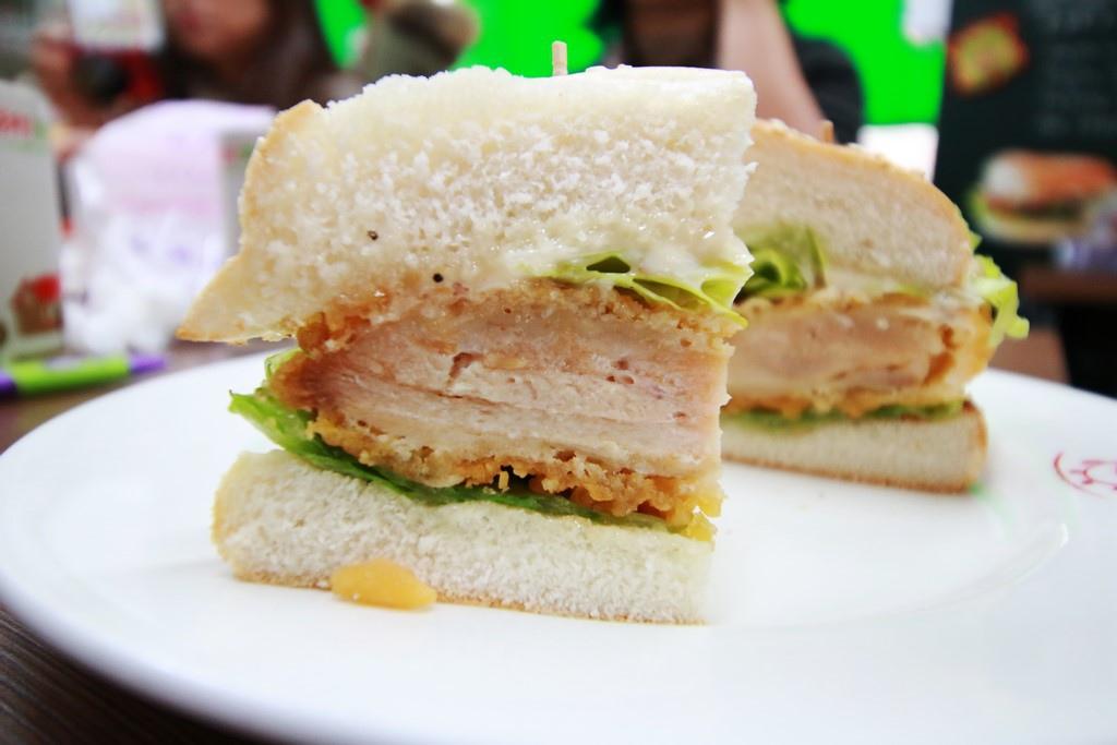 凱薩鮮脆雞腿堡3.JPG