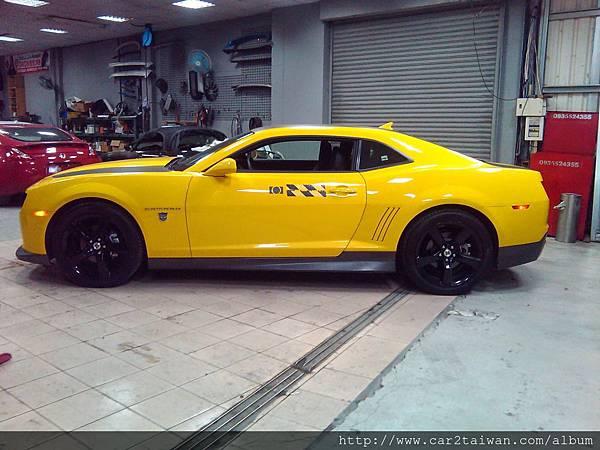 2012 Chevrolet Camaro V6 LT 大黃蜂美國運車回台灣 價格、關稅、檢驗、規格、馬力相關介紹,我是在美國留學生,我有一台2012 Chevrolet Camaro LT V6想從美國運車回台灣來自用,請問我大約需要支付多少的進口車關稅呢?其他海運及驗車費用要多少?