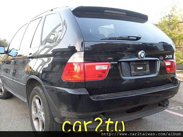 美國買車代購BMW X5代辦進口車運回台灣,國外買車價格便宜,代辦進口車BMW X5費用相當划算,例如這台寶馬BMW X5 35i從美國買車運回台灣費用總共花費台幣約180多萬元,如果是留學運車費用還可以在節省一些,只要在國外持有這台車輛超過半年,符合留學生條款個人帶車回台灣最新規定,ARTC車測費用及台灣進口車關稅都有一些優惠