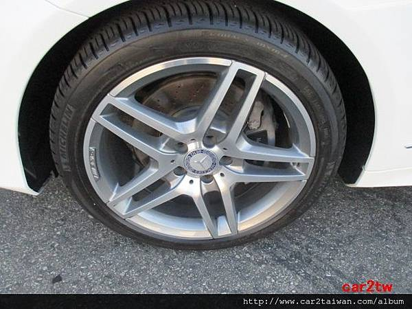 BENZ E350輪胎