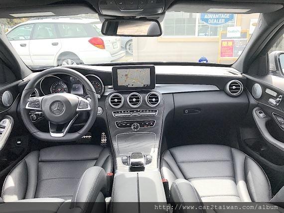 這台2016年賓士C300 AMG在北加州矽谷地區, 官方網站上面價錢要美金$33998, 王先生委託美國Car2TW Inc.代購這台賓士汽車C300, 同一台車在拍賣場只需要$28500美金, 價差超過5000元美金, Car2TW當然會幫客戶找出最優惠價格, 加上外匯車進口台灣代辦費用, 這台賓士C300 AMG比起其他車商售價低了接近20萬元, 王先生開心極了,直說要介紹他的朋友來Car2TW買車。