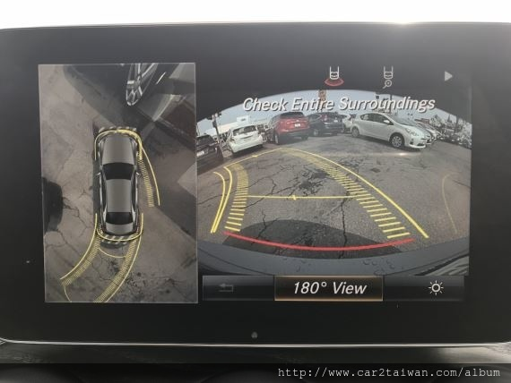賓士C300 W205選配有環景雷達非常少見喔!  Car2TW為台北王先生代購這台C300就有這項選配喔!!
