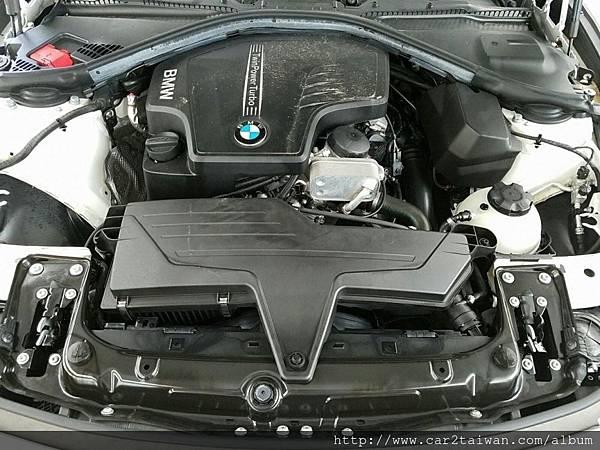BMW F30 328i引擎.jpg