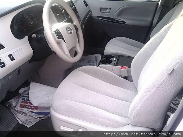 代辦外匯車Toyota Sienna 3.5 LE