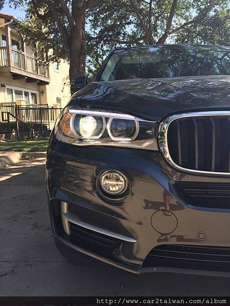 王小姐的外匯車BMW X5 xDrive35i順利回台領牌