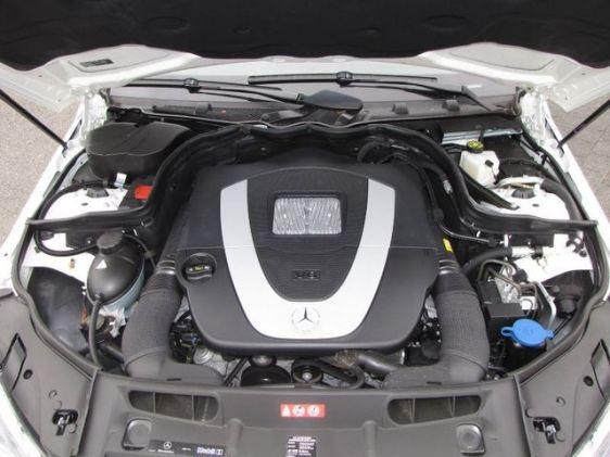 2009 Mercedes-Benz C300 4WD 5.jpg