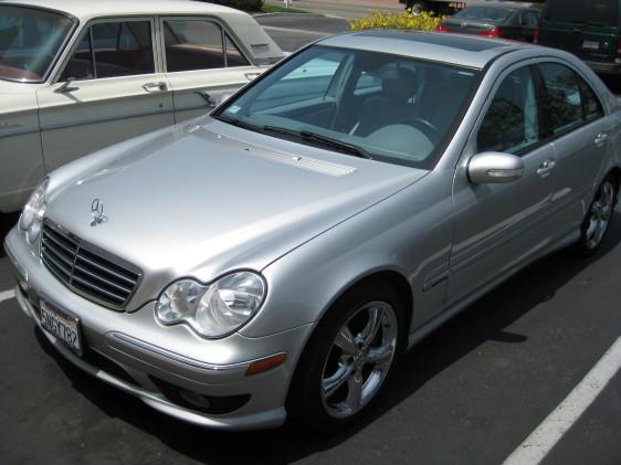 2005 Mercedes-Benz C230 silver 1.jpg