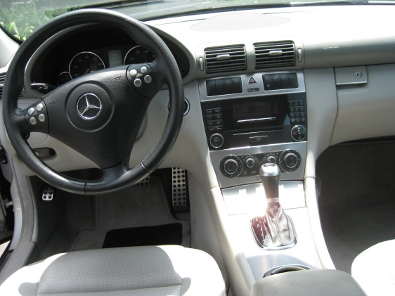 2005 Mercedes-Benz C230 silver 3.jpg
