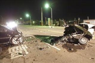 慘!小客車高速對撞 5死1重傷 1