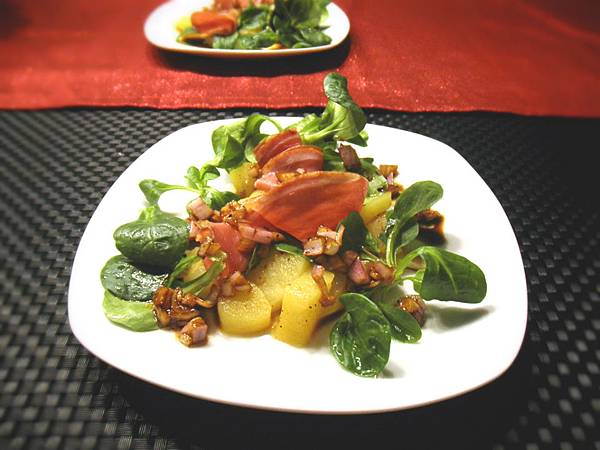 sauted apple with smoked dark breast and lambs lettuce salad