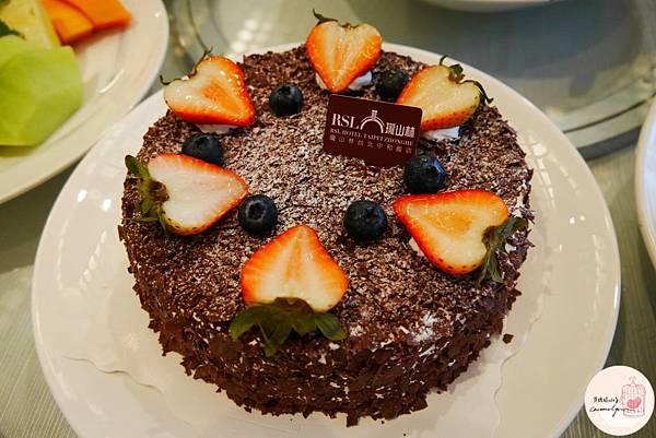 超棒的黑櫻桃黑森林蛋糕