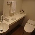 另一邊是廁所