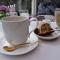 健行後累死了,喝個下午茶,意外找到很有fu的cafe