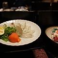 生魚片為比目魚跟黑鮪魚