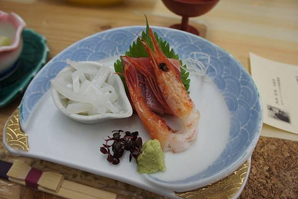 生魚片: 鮪魚、蝦、烏賊