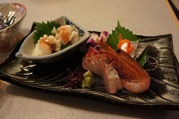 牡丹蝦、鯉、太刀魚?