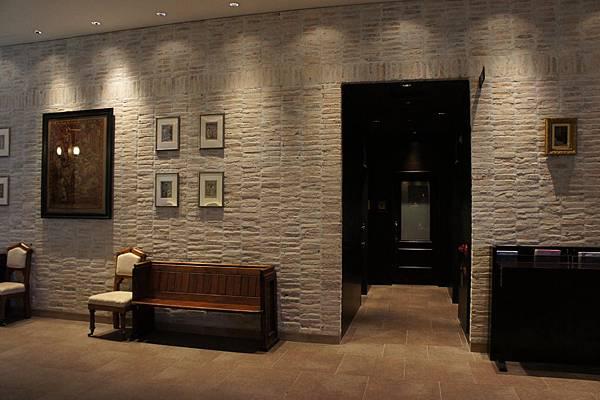 Hotel Monterey Grasmere-- Lobby