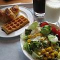 最後一天的早餐,因為是週末,人超多,所以七點一到就趕快去吃