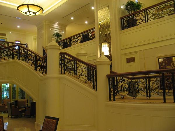 最後一晚的住宿,CENTRE POINT HOTEL RHACHADAMRI,行程表上說是帝寶酒店