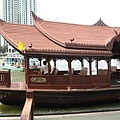 第二天的中午,搭東方文華的接駁船去吃le normandie法式午餐