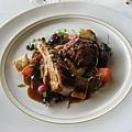 我的主菜,我明明看菜單上面沒有寫PORK,結果還是豬肉@@。肉普普不過醬還是超好吃的。