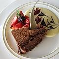 我點的巧克力慕思跟草莓塔,我覺得我的比偉立的好吃很多