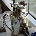 ginger的好處是直接給你一大壺咖啡or茶