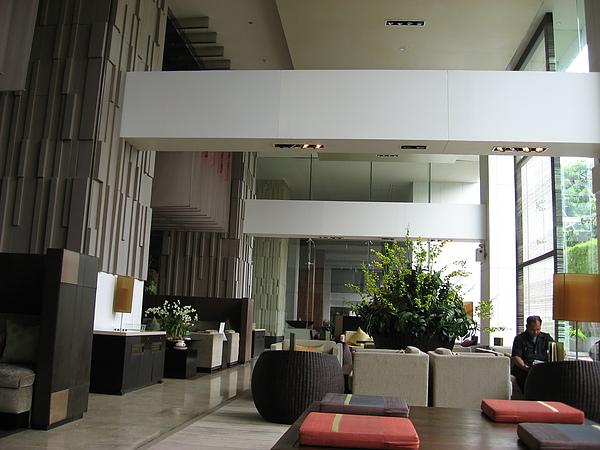 這是HILTON飯店的LOBBY