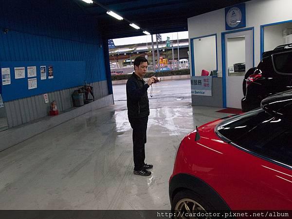 客戶對車商到底有多少信任,就看車商願意做甚麼保證,GE台北車庫也很願意送車去做德國萊茵,去做第三方驗證  很多客戶看到他們這樣,不單單是安心,更多就是給他們好的印象好評價