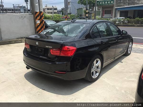 BMW長青樹 3series sedan四門轎車,美規BMW328i外匯車價格、規格、接單引進,詳細介紹。
