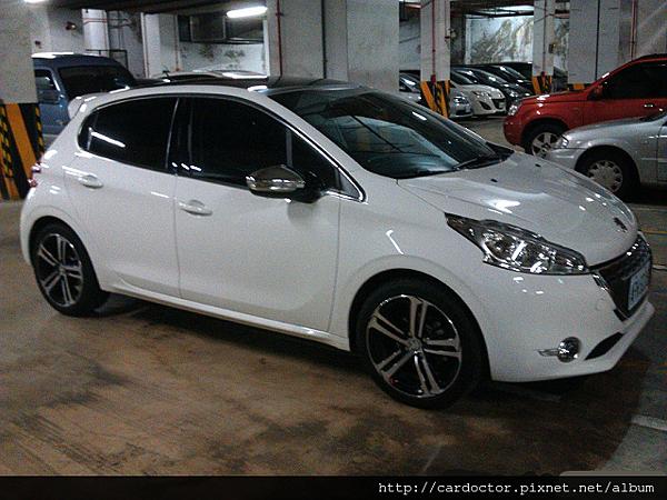 Peugeot 寶獅汽車2015 208vti新竹中古車估價實例,Peugeot 寶獅汽車中古車行情及車輛介紹。