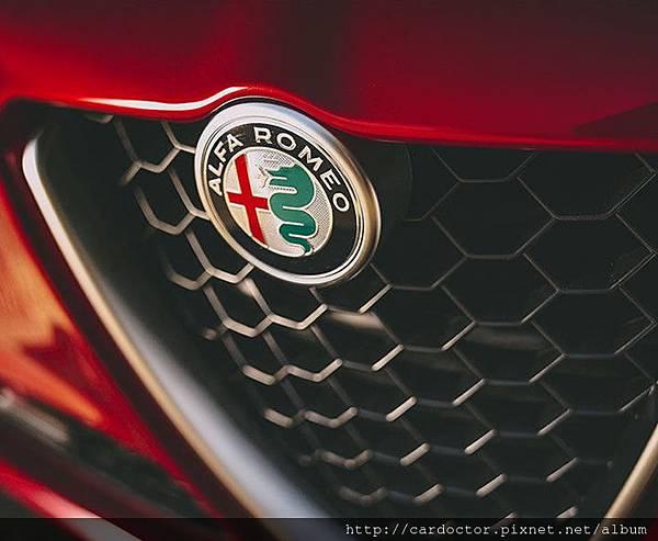 Alfa Romeo 4C 品牌歷史 價格規格介紹,買賣外匯車推薦建議LA桃園車庫,買賣中古車估價推薦建議請找LA桃園車庫。