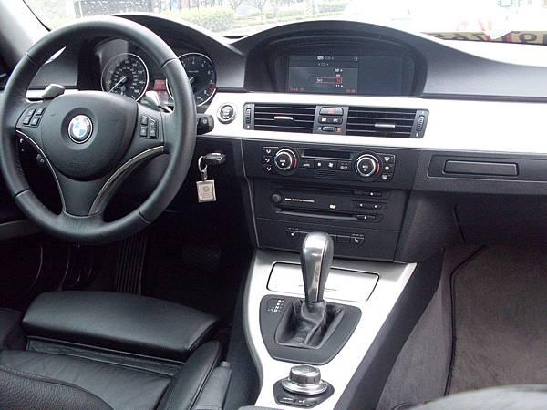 BMW 335i E92 8.JPG