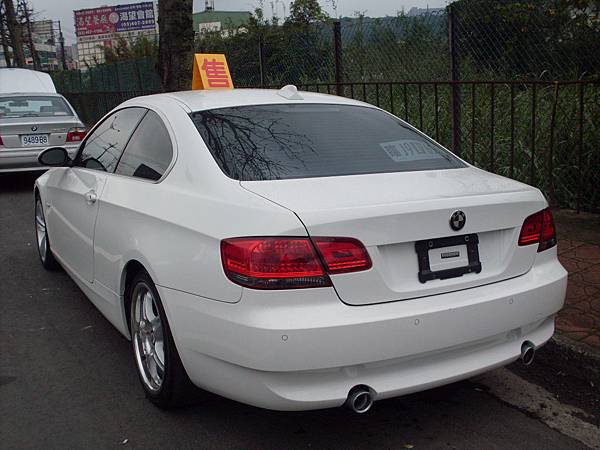 BMW 335i E92 19.JPG
