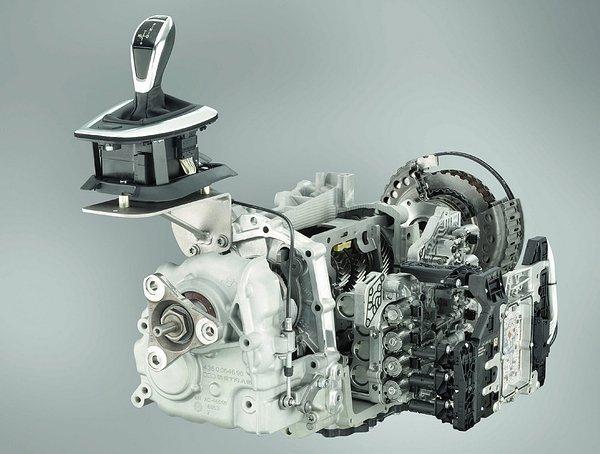 BMW 335i 雙離合器7速變速系統.jpg