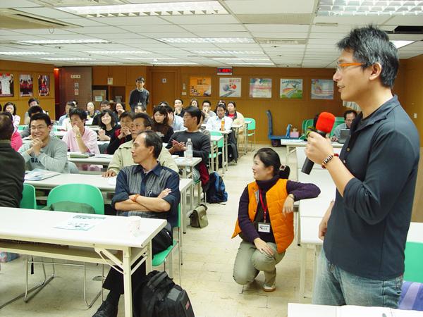 青創聯合同學會2009-11-28-你的創業點子行不行02.jpg