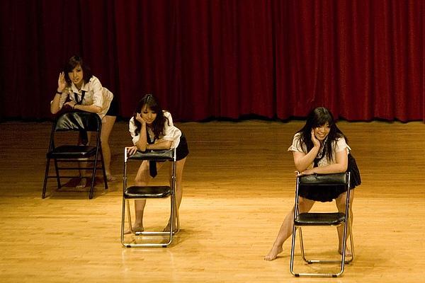 爵士頑皮豹:弦歌週六艷舞班