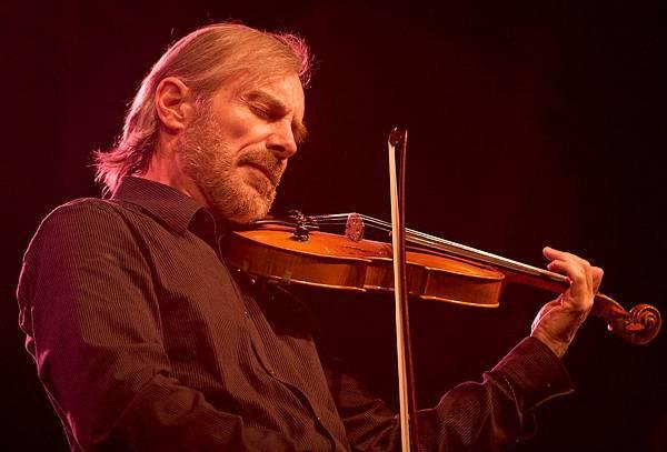 跳脫古典的小提琴爵士樂!美妙的小提琴爵士讓你聽到Funk Groove與Blues