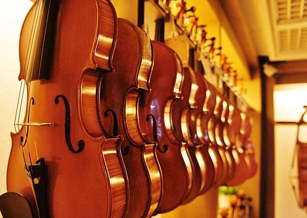 小提琴松香介紹:貝克父子帶你認識小提琴松香品牌及挑選方法!