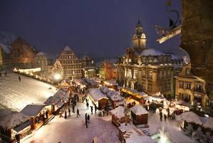 csm_Weihnachtsmarkt_Rathaus_Uebersicht_TM_UfukArslan_eb411647df.jpg